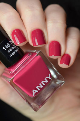 Nail Art With Red Uncontrollable Desire