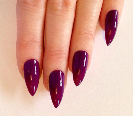 Nail Art With Mauve Date