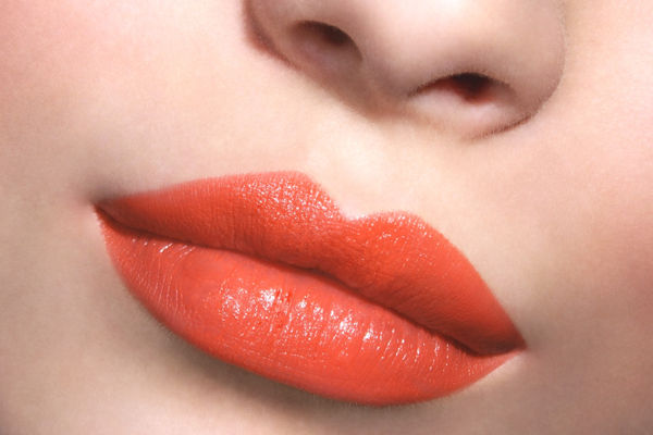 Coral Lustre With Lakme