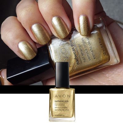 Nail Art With Golden Vision