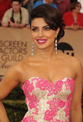 Poppin' Pink: Priyanka Chopra
