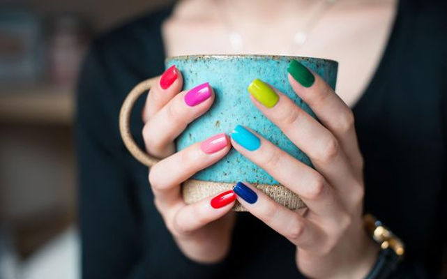 Peppy Colour Splash On Nails