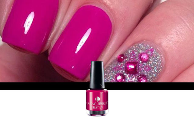 Nail Art With Pink Burst