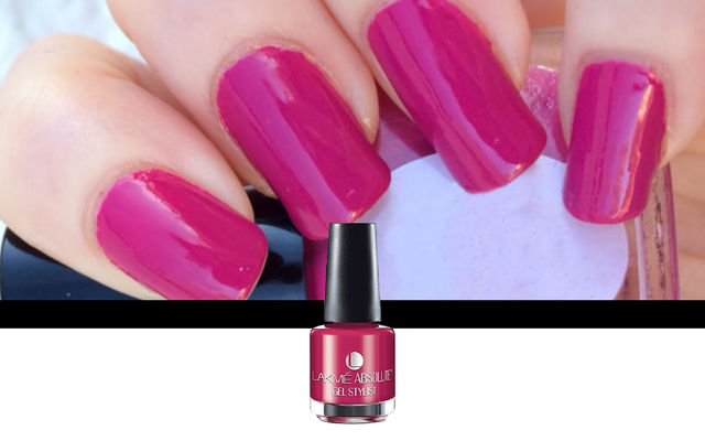 Nail Art With Pink Queen